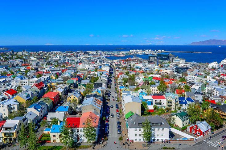 Иако ја победи короната Исланд пак воведе ограничувања, кои може да траат и 15 години